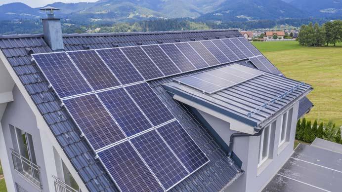 Einfamilienhaus und Photovoltaikanlage