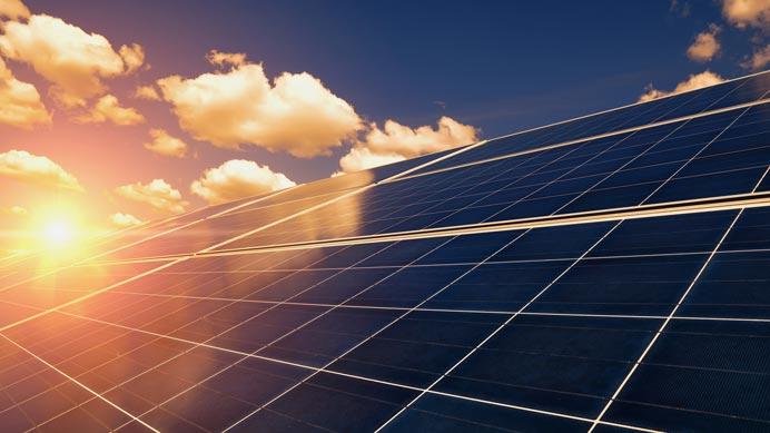 sonnige Solaranlage