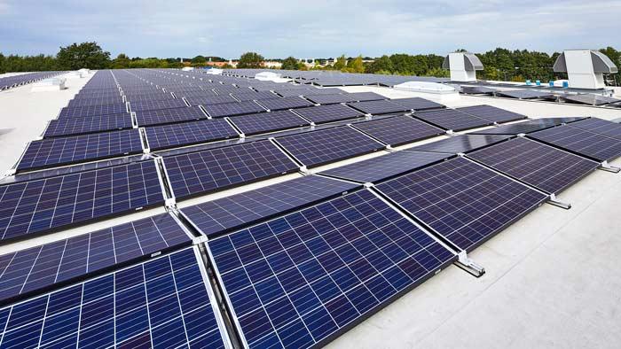 Flachdach-Photovoltaik-System
