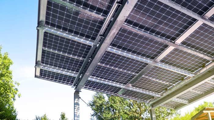 Terassen-Carport-Solaranlage