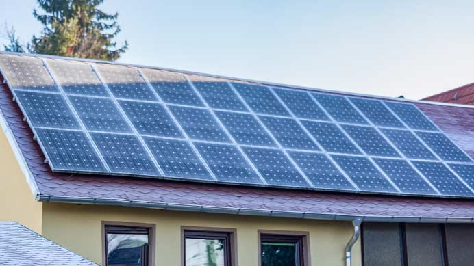 gefrorene Photovoltaikanlage