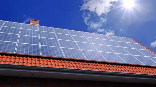 PV-Anlage bei Sonnenschein